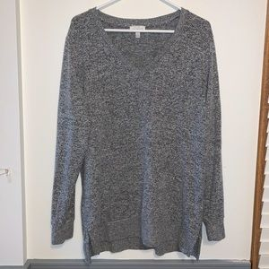 🔥 Gray V-neck sweater from Lucky Brand 🔥
